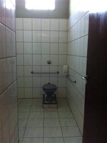 Toalete Individual Com Barras De Apoio