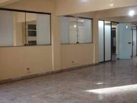 Salão para alugar em Guarulhos, 200 m2 úteis