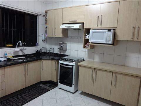 Sobrado à venda em Guarulhos (Jd V Galvão), 3 dormitórios, 3 suites, 4 banheiros, 3 vagas, 160 m2 de área útil, código 29-579 (foto 2/17)