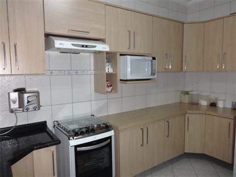 Sobrado à venda em Guarulhos (Jd V Galvão), 3 dormitórios, 3 suites, 4 banheiros, 3 vagas, 160 m2 de área útil, código 29-579 (foto 3/17)