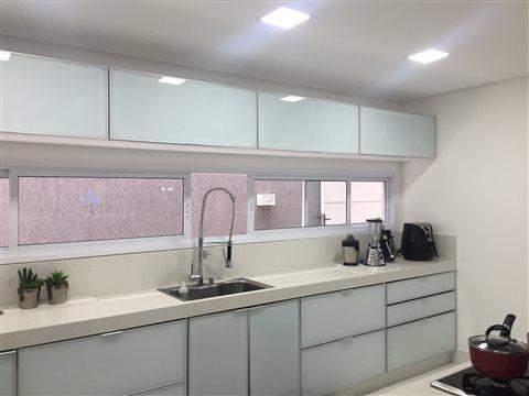 Sobrado à venda em Guarulhos (Pq Continental I), 3 dormitórios, 3 suites, 4 banheiros, 4 vagas, 250 m2 de área útil, código 29-869 (foto 10/23)