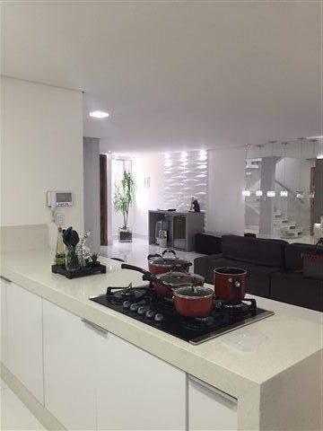 Sobrado à venda em Guarulhos (Pq Continental I), 3 dormitórios, 3 suites, 4 banheiros, 4 vagas, 250 m2 de área útil, código 29-869 (foto 12/23)