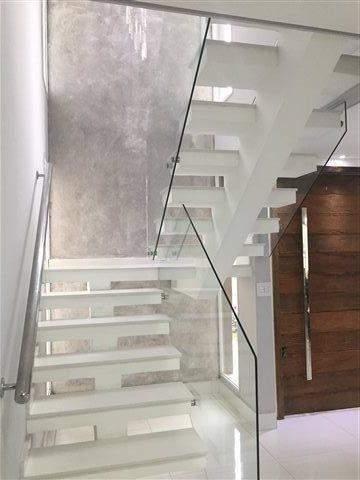 Sobrado à venda em Guarulhos (Pq Continental I), 3 dormitórios, 3 suites, 4 banheiros, 4 vagas, 250 m2 de área útil, código 29-869 (foto 14/23)