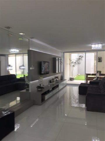 Sobrado à venda em Guarulhos (Pq Continental I), 3 dormitórios, 3 suites, 4 banheiros, 4 vagas, 250 m2 de área útil, código 29-869 (foto 17/23)