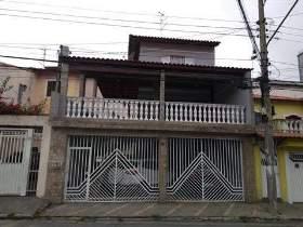 Sobrado à venda em Guarulhos, 3 dorms, 1 suíte, 4 wcs, 2 vagas, 298 m2 úteis