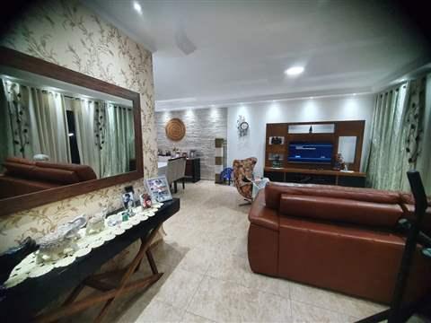 Casa à venda em Guarulhos (Pq Continental I), 3 dormitórios, 1 suite, 4 banheiros, 5 vagas, 350 m2 de área útil, código 29-979 (foto 1/10)