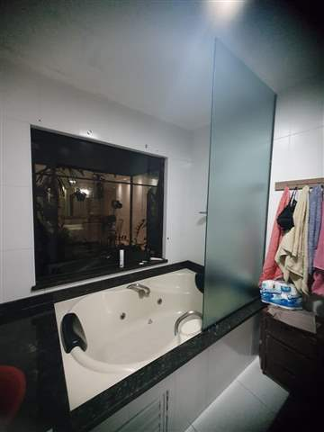 Casa à venda em Guarulhos (Pq Continental I), 3 dormitórios, 1 suite, 4 banheiros, 5 vagas, 350 m2 de área útil, código 29-979 (foto 10/10)