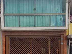 Sobrado à venda em Guarulhos, 3 dorms, 1 suíte, 3 wcs, 2 vagas, 202 m2 úteis