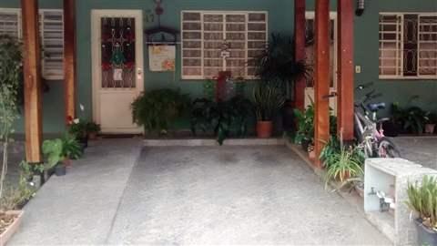 Sobrado à venda em Guarulhos (Jd Adriana), 2 dormitórios, 2 banheiros, 2 vagas, 100 m2 de área útil, código 29-1004 (foto 1/9)