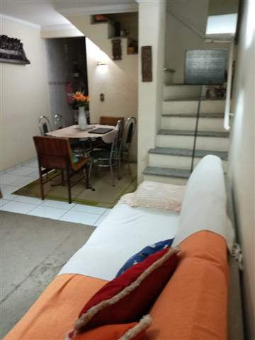 Sobrado à venda em Guarulhos (Jd Adriana), 2 dormitórios, 2 banheiros, 2 vagas, 100 m2 de área útil, código 29-1004 (foto 5/9)