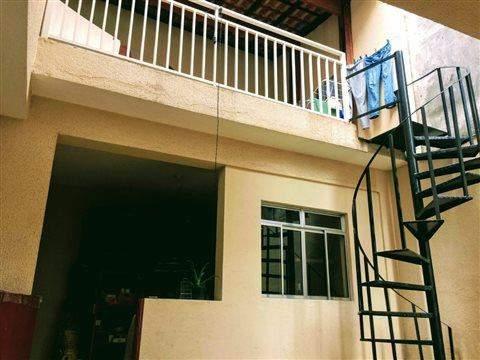 Casa para alugar em Guarulhos, 4 dorms, 2 wcs, 3 vagas
