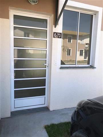 Casa à venda em Guarulhos, 2 dorms, 1 wc, 1 vaga, 60 m2 úteis