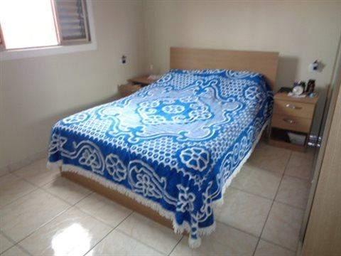 Casa à venda em Guarulhos (V Nova Bonsucesso), 3 dormitórios, 1 suite, 2 banheiros, 2 vagas, 129 m2 de área útil, código 181-1123 (foto 37/40)