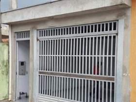 Casa à venda em Guarulhos, 2 dorms, 1 suíte, 2 wcs, 2 vagas, 80 m2 úteis