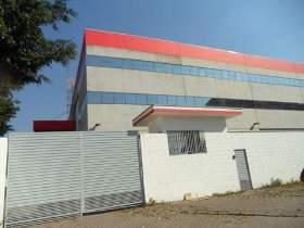 Galpão à venda em Guarulhos, 2800 m2 úteis