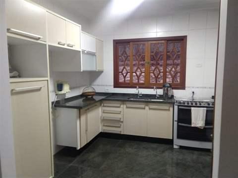 Sobrado à venda em Guarulhos (Camargos - Macedo), 3 dormitórios, 3 suites, 4 banheiros, 4 vagas, 110 m2 de área útil, código 181-1250 (foto 2/21)