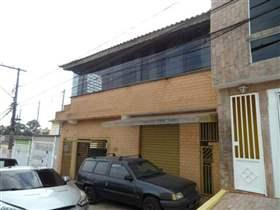 Sobrado à venda em Guarulhos, 2 dorms, 1 suíte, 4 wcs, 5 vagas, 250 m2 úteis